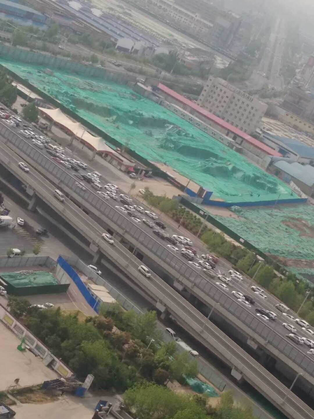 俯瞰郑州工地 发现绿化无纺布了吗?